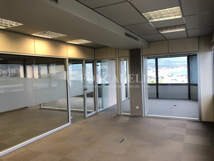 Oficina con vistas panorámicas en alquiler en la Torre d'Ara Premium. Mataró. 5