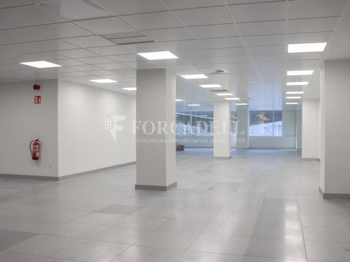 Oficina diáfana en lloguer a l' Av. General Perón. Madrid.  6
