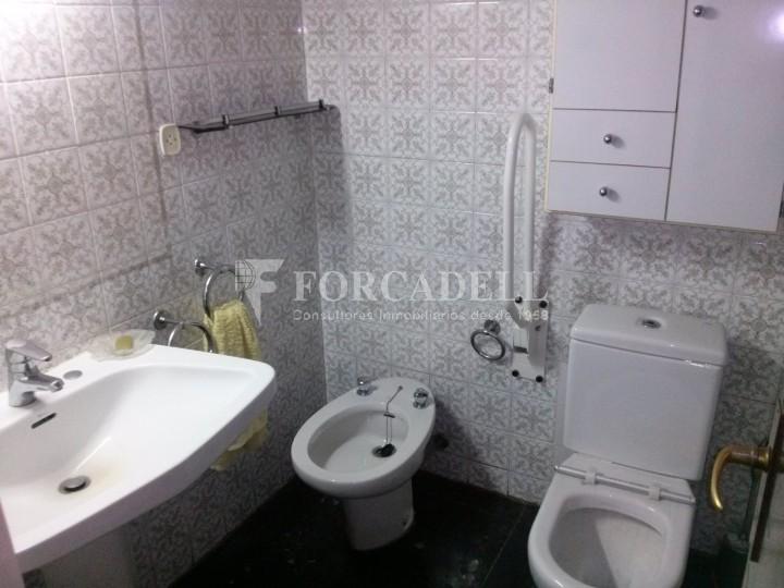 Pis en venda per actualitzar amd 4 dormitoris en el C/ Diputació, Barcelona. Ref. 06844 4