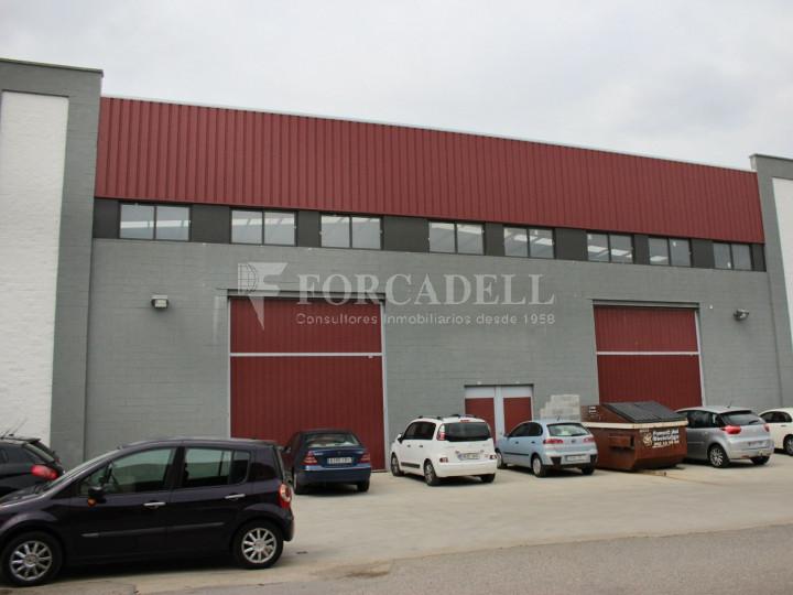 Nau industrial en venda o lloguer de 3.056 m² - Sant Esteve Sesrovires, Barcelona 1