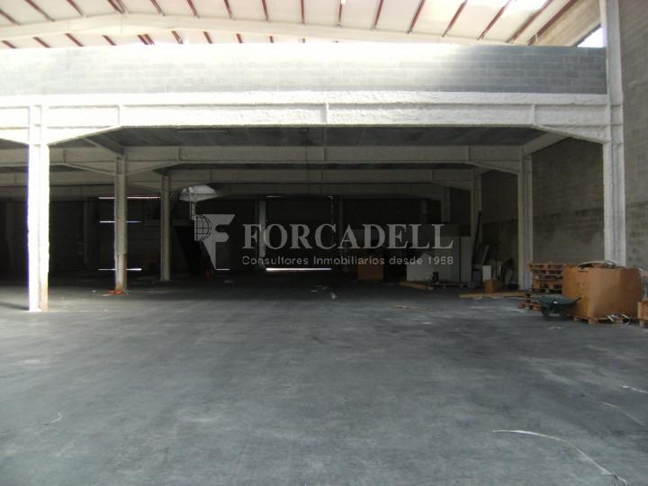 Nau industrial en venda o lloguer de 3.056 m² - Sant Esteve Sesrovires, Barcelona 4