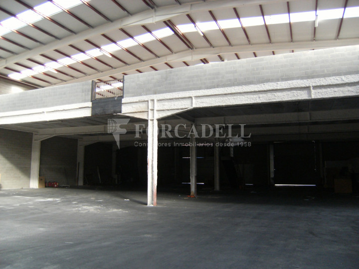 Nau industrial en venda o lloguer de 3.056 m² - Sant Esteve Sesrovires, Barcelona 5