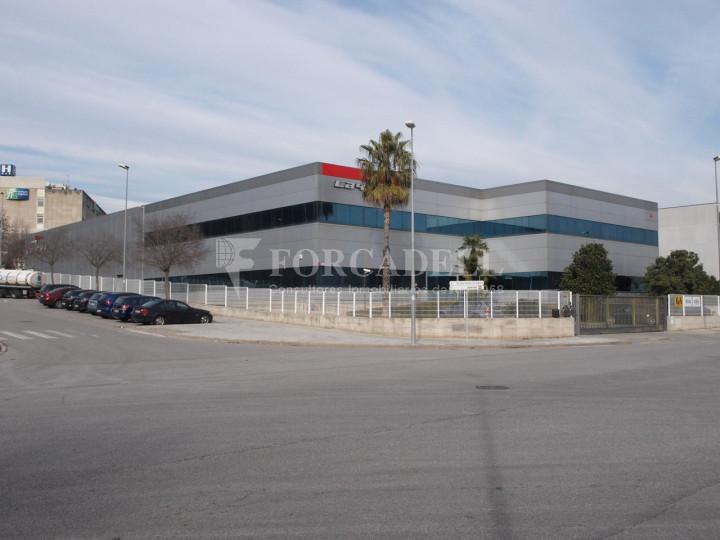 Nau industrial corporativa en venda de 3.285 m² - Granollers, Barcelona 1
