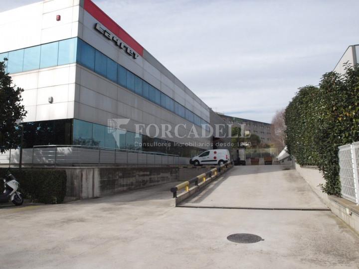 Nau industrial corporativa en venda de 3.285 m² - Granollers, Barcelona 2