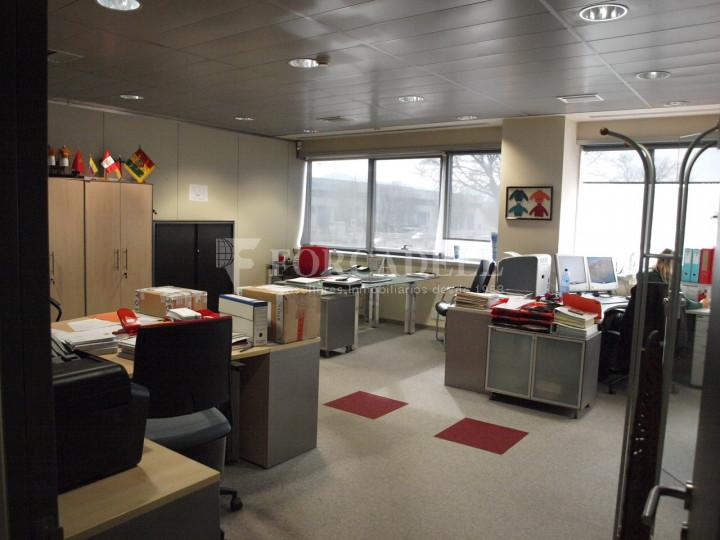 Nau industrial corporativa en venda de 3.285 m² - Granollers, Barcelona 3