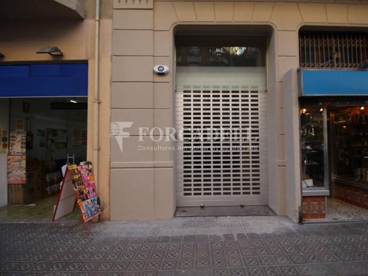 Local proper al Mercat del Ninot i Hospital Clínic, districte Eixample Esquerre #1