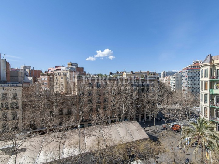 Fantàstic pis al costat del Mercat de Sant Antoni, a la Plaça Pes de la Palla al barri del Raval de Barcelona. Ref. V19184 16