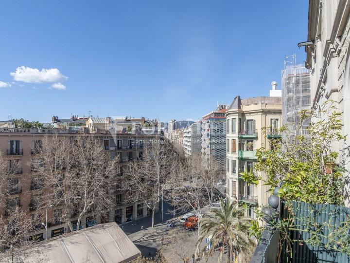 Fantàstic pis al costat del Mercat de Sant Antoni, a la Plaça Pes de la Palla al barri del Raval de Barcelona. Ref. V19184 17