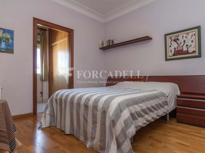 Fantàstic pis al costat del Mercat de Sant Antoni, a la Plaça Pes de la Palla al barri del Raval de Barcelona. Ref. V19184 9