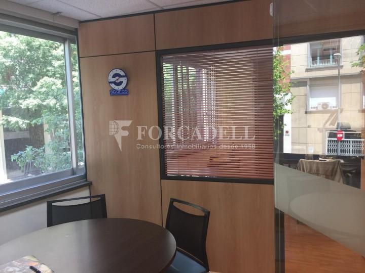 Oficina diàfana en venda en rendibilitat en edifici modern. C. Diputació. Barcelona. #11