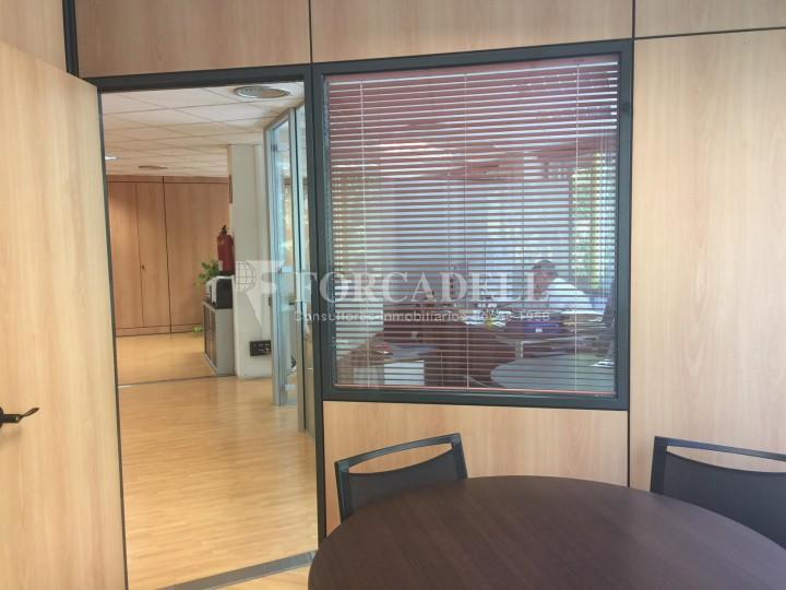 Oficina diàfana en venda en rendibilitat en edifici modern. C. Diputació. Barcelona. #9
