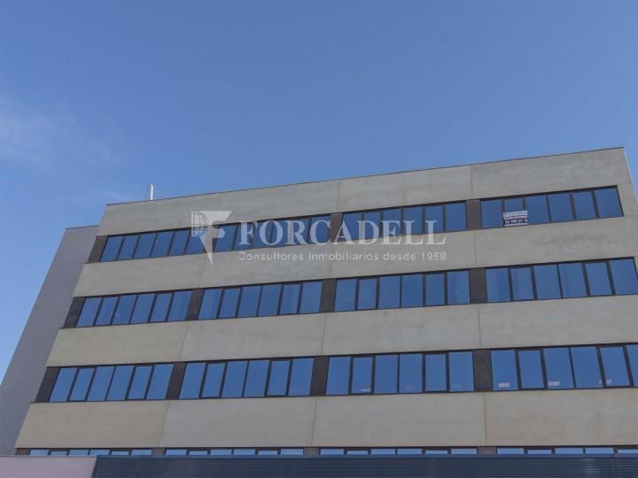 Oficina en lloguer molt lluminosa i implantada, al costar del Recinte de Fira II Barcelona. #10