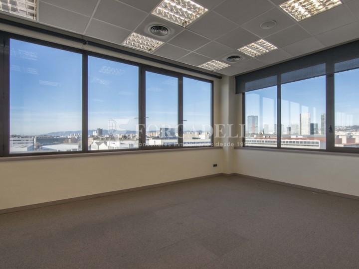 Oficina en lloguer molt lluminosa i implantada, al costar del Recinte de Fira II Barcelona. #3