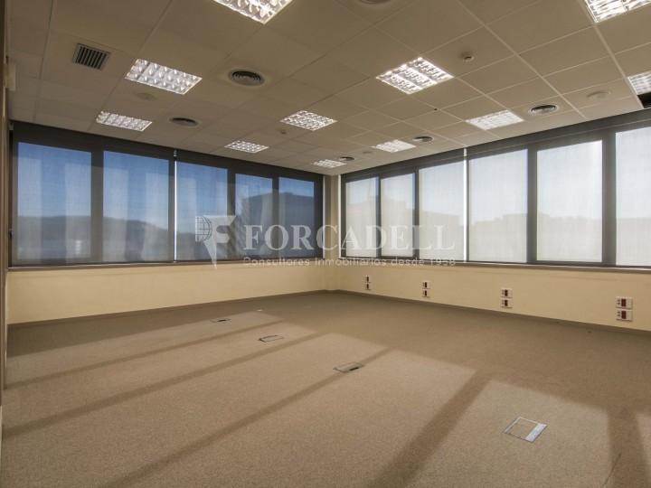 Oficina en lloguer molt lluminosa i implantada, al costar del Recinte de Fira II Barcelona. #5