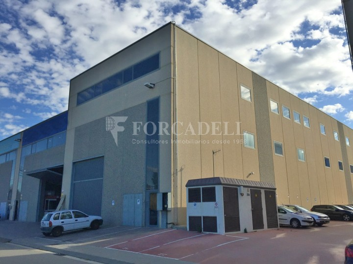 Nau industrial en venda o lloguer de 600 m² - Ripollet, Barcelona #1