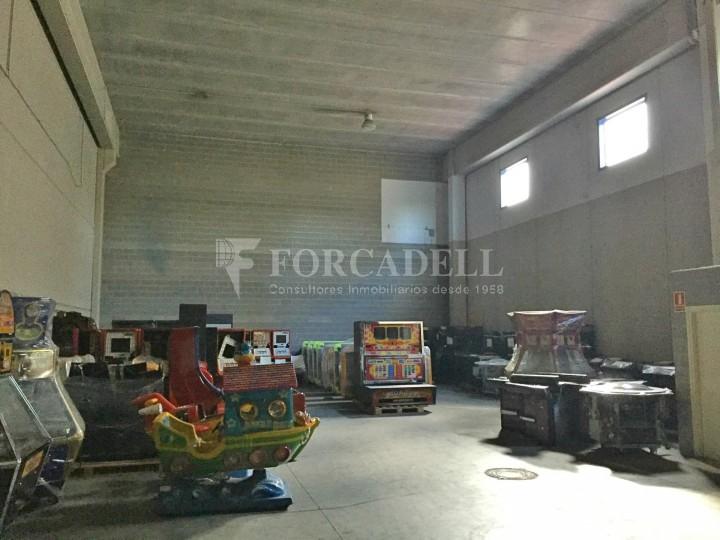 Nau industrial en venda o lloguer de 600 m² - Ripollet, Barcelona #2