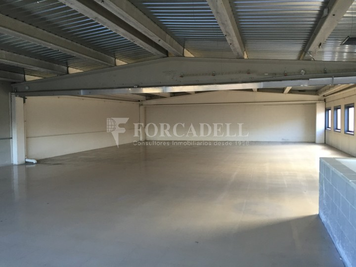 Nau industrial en venda o lloguer de 600 m² - Ripollet, Barcelona #3