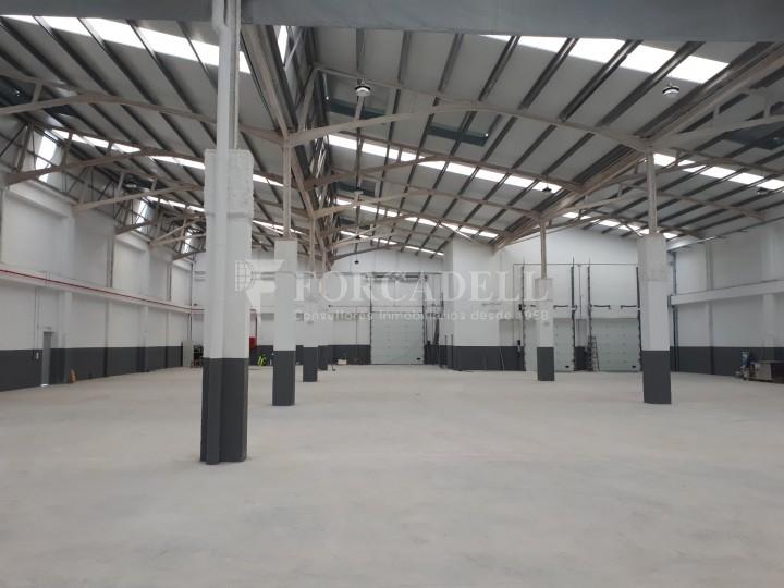 Nau industrial en lloguer de 3.575 m² - Sant Joan Despi, Barcelona 4