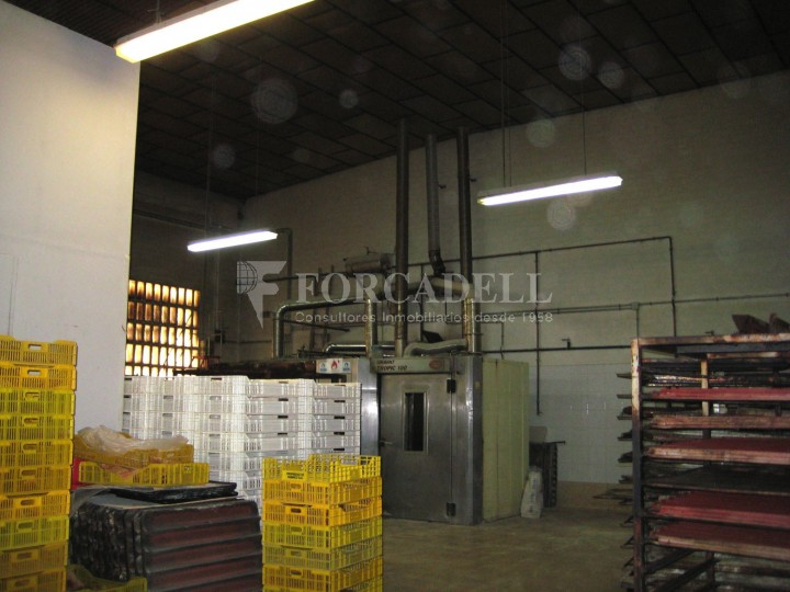 Nau industrial en venda de 437 m² - Barcelona.  5
