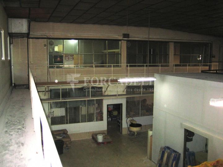 Nau industrial en venda de 437 m² - Barcelona.  7