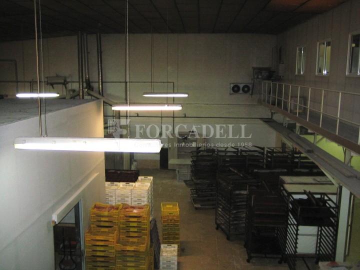 Nau industrial en venda de 437 m² - Barcelona.  8