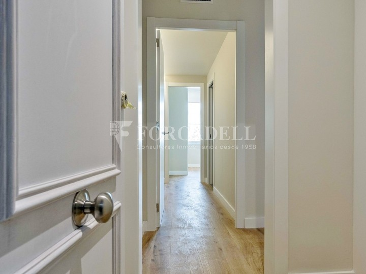 Flat in renovated building in Lleida street of Poble Sec. Barcelona. 10