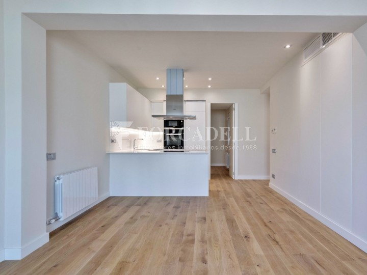 Flat in renovated building in Lleida street of Poble Sec. Barcelona. 2