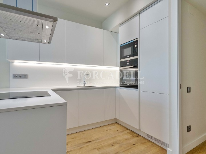 Flat in renovated building in Lleida street of Poble Sec. Barcelona. 4