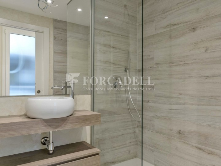 Flat in renovated building in Lleida street of Poble Sec. Barcelona. 8