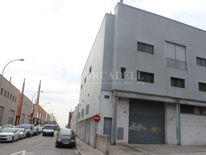 Nau industrial en venda de 736 m² - Badalona. Barcelona #1
