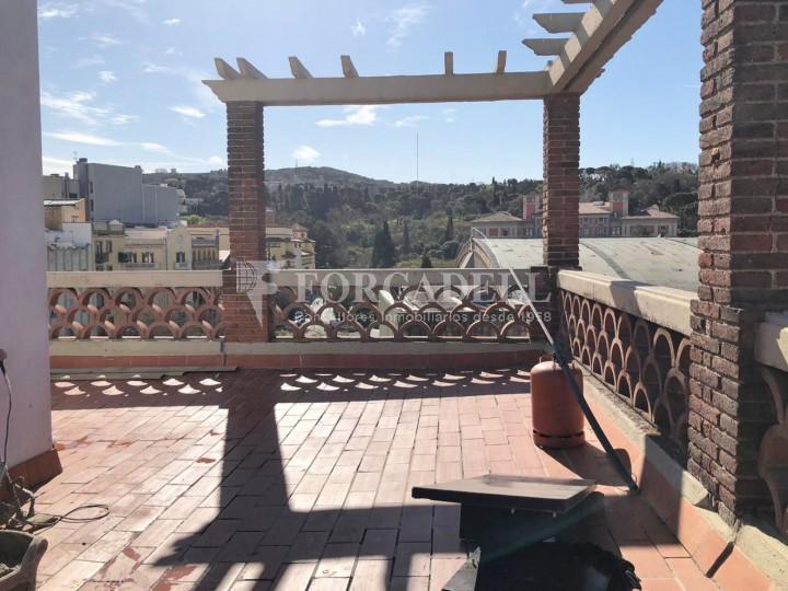 Àtic amb terrassa totalment reformat al barri del Poblesec, Barcelona