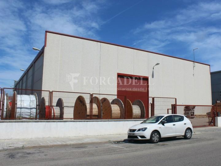 Nau industrial en venda o lloguer d'1.545 m² - Sant Pere de Ribes, Barcelona.  #1
