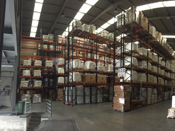 Nave logistica en venta de 2.100 m² - Viladecans. Barcelona  1