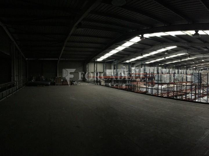 Nave logistica en venta de 2.100 m² - Viladecans. Barcelona  3
