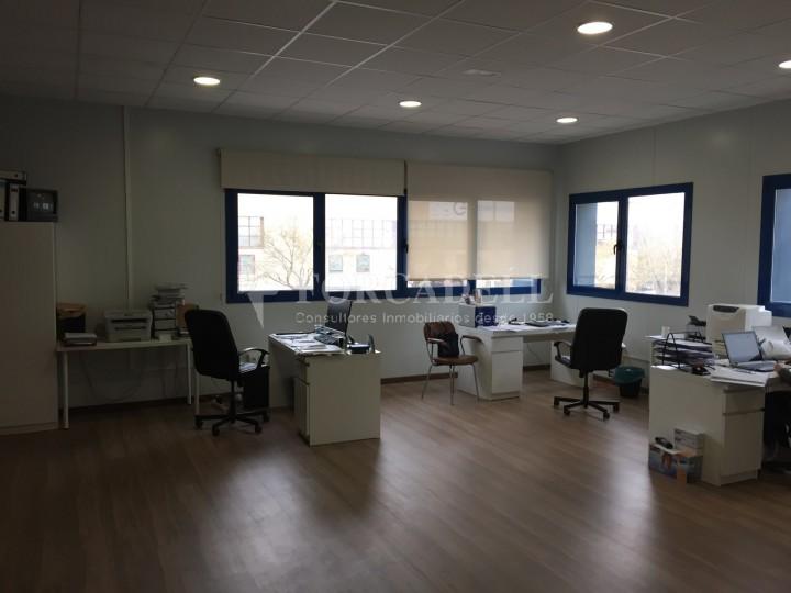 Nau logistica en venda de 2.100 m² - Viladecans. Barcelona  #5