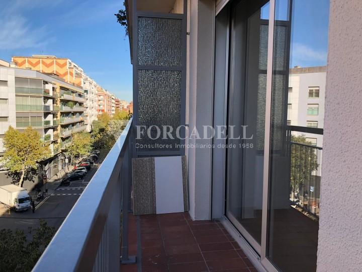 Pisos rehabilitats al carrer Còrcega, a la Nova Esquerra de l'Eixample. Barcelona. 12