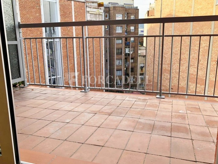 Pisos a la venda nous a estrenar, al barri de la Nova Esquerra de l'Eixample de Barcelona. 15