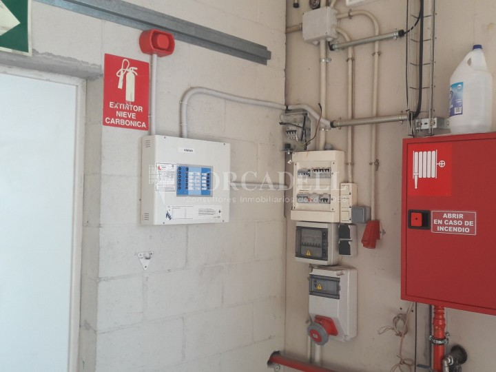 Nau industrial en venda de 500 m² - Sant Esteve Sesrovires #6