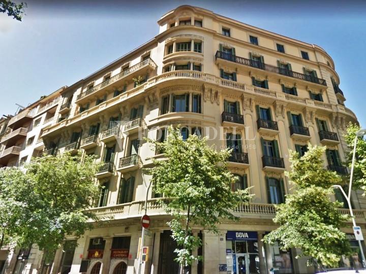 Oficina en lloguer pròxima a Passeig de Gràcia. C. Roger de Llúria. Barcelona. #1