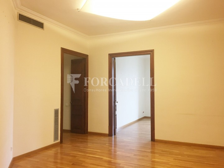 Oficina en lloguer pròxima a Passeig de Gràcia. C. Roger de Llúria. Barcelona. #11