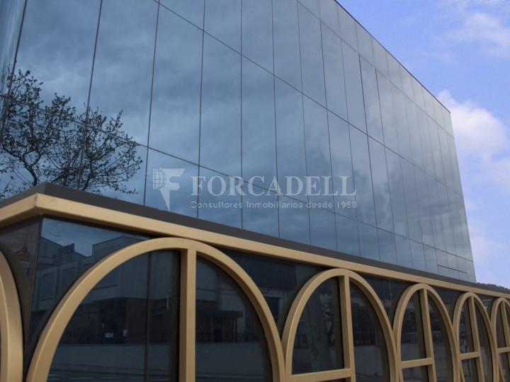 Edificio industrial oficinas de 3.000 m² -  Sant Just Desvern, Barcelona. #9