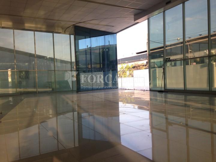 Edificio industrial oficinas de 3.000 m² -  Sant Just Desvern, Barcelona. #12