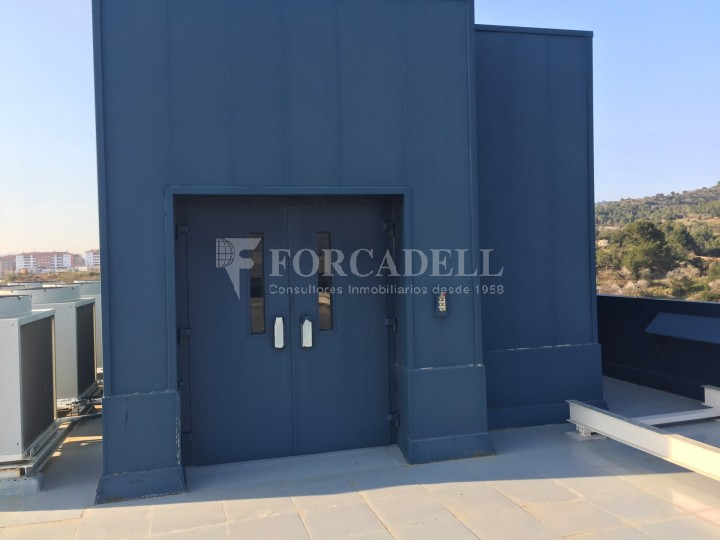Edificio industrial oficinas de 3.000 m² -  Sant Just Desvern, Barcelona. #6