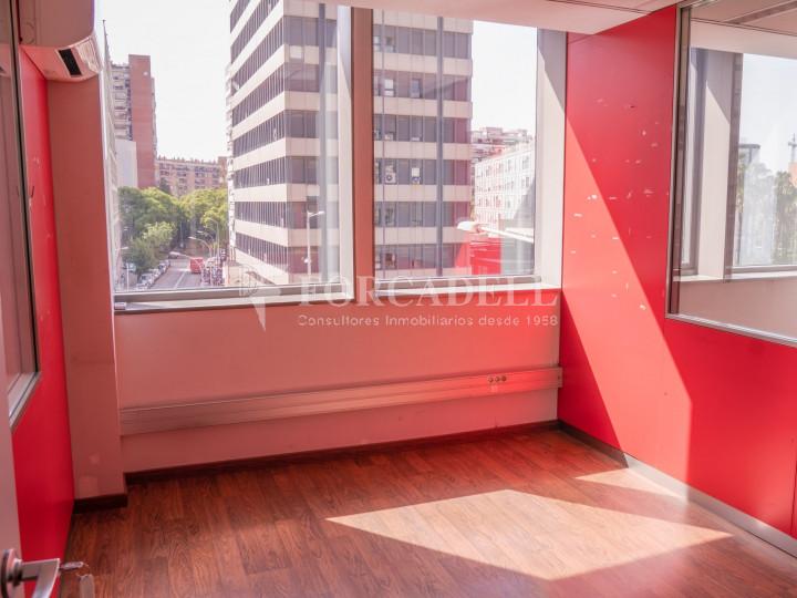Oficina exterior i lluminosa en lloguer o venda. Gran Via de les Corts Catalanes. Barcelona #1