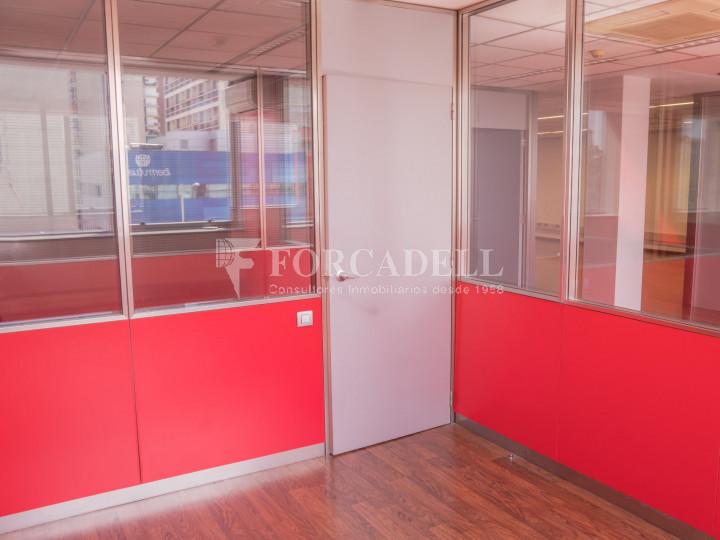 Oficina exterior i lluminosa en lloguer o venda. Gran Via de les Corts Catalanes. Barcelona #10