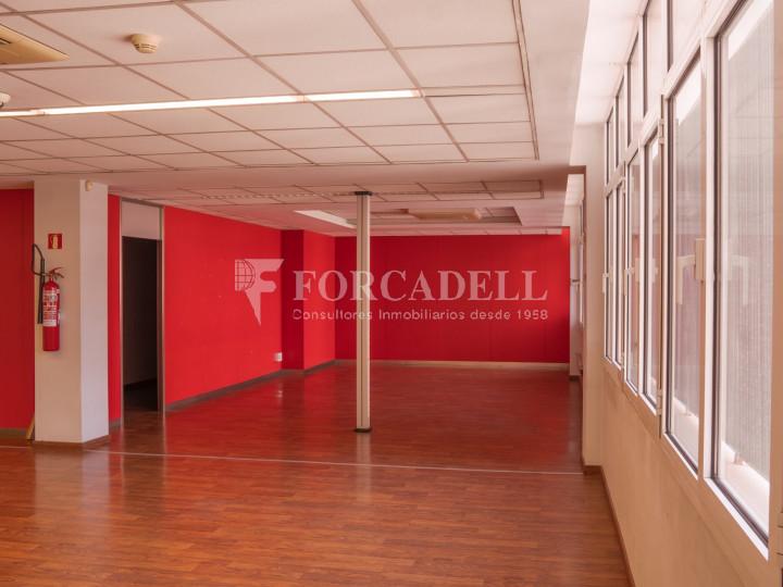 Oficina exterior i lluminosa en lloguer o venda. Gran Via de les Corts Catalanes. Barcelona #11