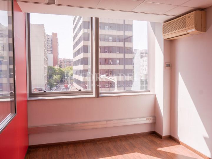 Oficina exterior i lluminosa en lloguer o venda. Gran Via de les Corts Catalanes. Barcelona #4