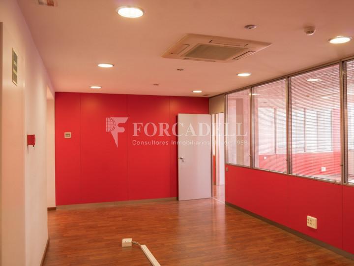 Oficina exterior i lluminosa en lloguer o venda. Gran Via de les Corts Catalanes. Barcelona #8