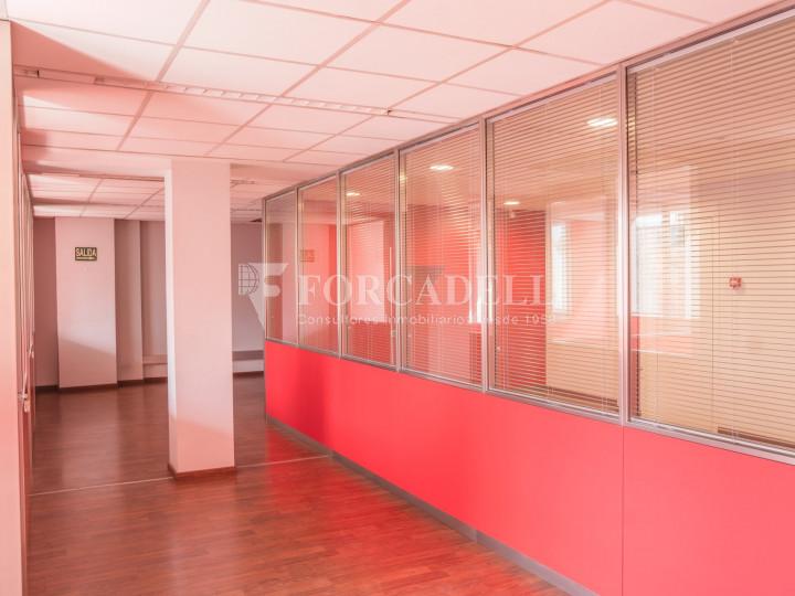 Oficina exterior i lluminosa en lloguer o venda. Gran Via de les Corts Catalanes. Barcelona #9