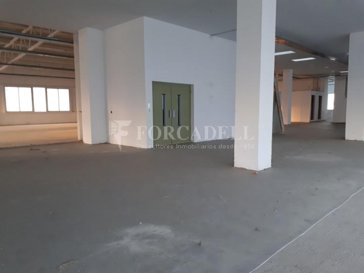 Edifici industrial en venda de 3.450 m² - Sant Joan Despí, Barcelona. 9